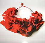 Poppy_necklace_2